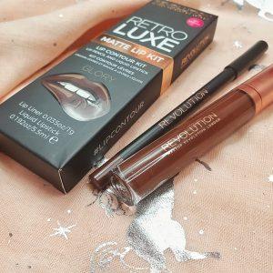 Revolution 'Retro Luxe' matte lip kit in Glory.